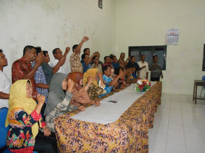 Kegiatan rutin, Kelurahan Tawangrejo mengadakan rapat RT/ RW/ Linmas di Aula Kelurahan Tawangrejo (19 Maret 2018)