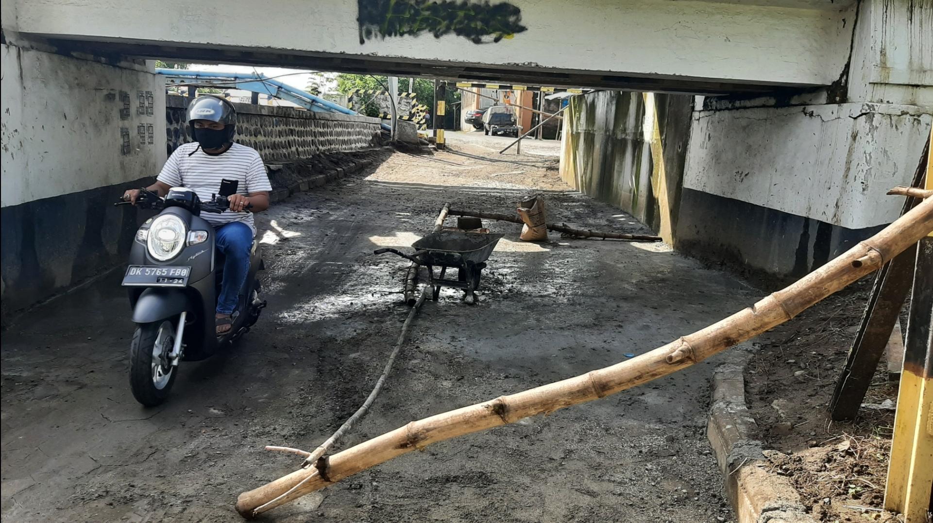 Perbaikan Terowongan Jengglong Kelurahan Tawangrejo
